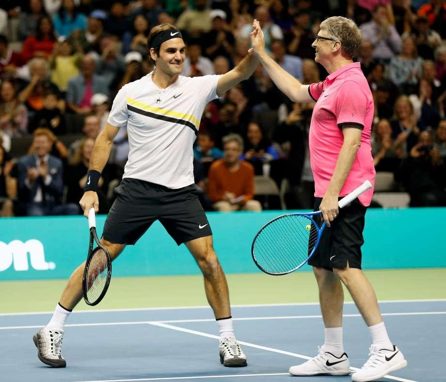 920x920 - Federer v eni noči zbral več kot 2.5 milijona dolarjev