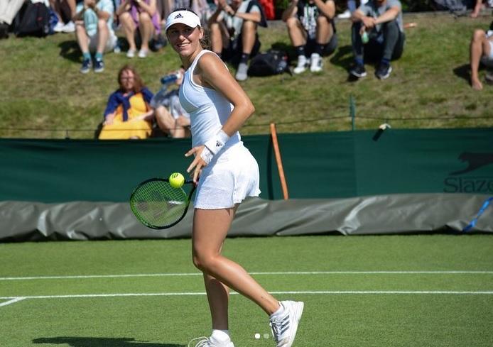 juvki - Juvanova v Wimbledonu odvzela niz veliki Sereni