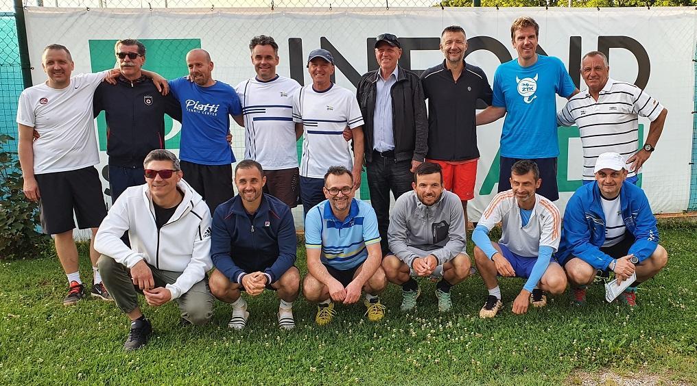 Mariborski ekipi ŽTK Maribor in TK Branik Maribor znova udeleženki play-offa.