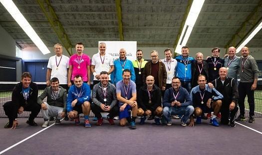 V lanski sezoni so se naslova razveselili veterani TK Branik. (Foto: Blaž Weindorfer/Sportida)