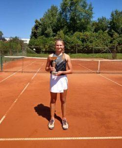 Lara Flerin 249x300 - U14: Premierni turnir na igriščih TK Center Court Soku, Flerinova najboljša drugič zapored