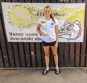 lara 300x289 - U14: Na Obali 5 vrhunskih predstav zmagovalca Hribarja, v Ljubljani najboljša Flerinova (FOTO)