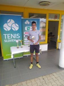 3 1 225x300 - U16: Laniškova dobro formo potrdila z naslovom v Celju, medvoški finale v Novi Gorici