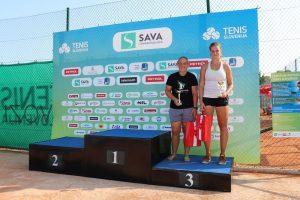 IMG 1 300x200 - Novakova na OP Portorož za naslov proti Falknerjevi; oba petkova finala v prenosu na Sport Klubu