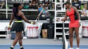 Serena Williams vs. Venus Williams Foto AO FB 2 300x169 - Klasični spopad: Serena Wiliams za las boljša od sestre Venus, nato pa poraz