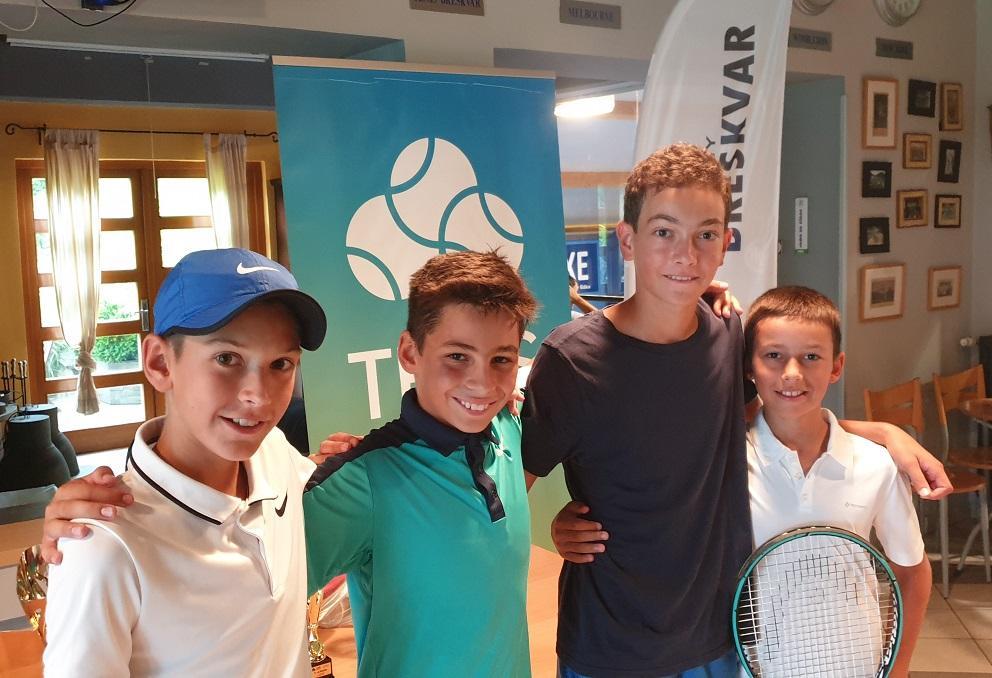 profilna - U12: V kategoriji A do naslova Petrović in Butina Jazbečeva, B turnirja Merviču in Mastnakovi