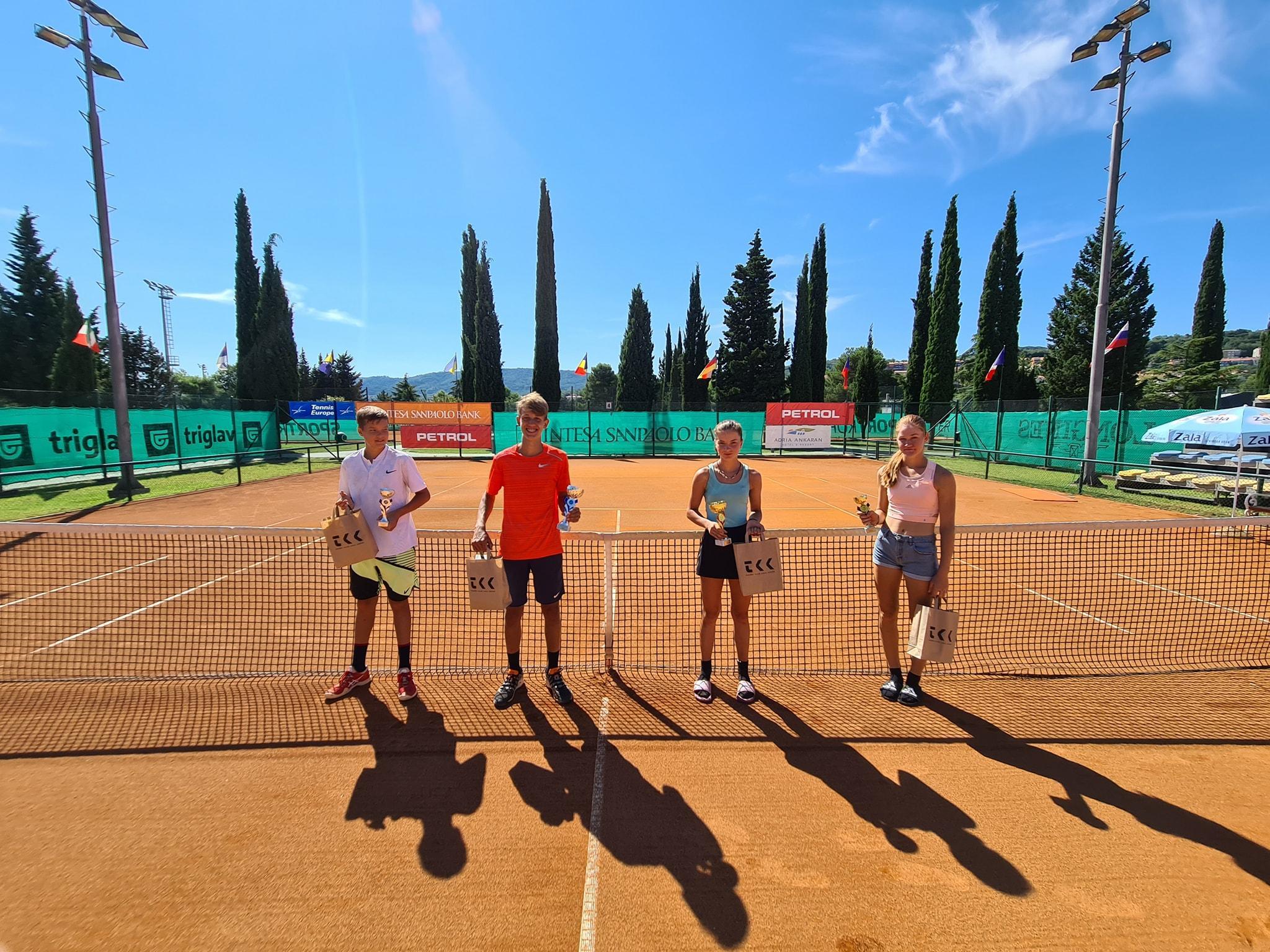 118795469 3190166184384814 1517166174169630383 o - Tennis Europe: Laniškova in Obrul do naslova na Ptuju, Videnović najboljši v Kopru (FOTO)