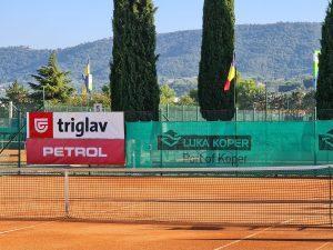 118946228 3196510773750355 8134395917237588681 o 300x225 - Tennis Europe: Izjemna Hojnikova do naslova v Kopru, v dvojicah najboljši Julija Bogatin in Nika Završki (FOTO)