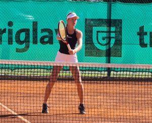 119067610 3202433193158113 6811872645859028963 o 300x243 - Tennis Europe: Izjemna Hojnikova do naslova v Kopru, v dvojicah najboljši Julija Bogatin in Nika Završki (FOTO)