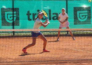 119155030 3205589839509115 7899210253152827573 o 300x215 - Tennis Europe: Izjemna Hojnikova do naslova v Kopru, v dvojicah najboljši Julija Bogatin in Nika Završki (FOTO)