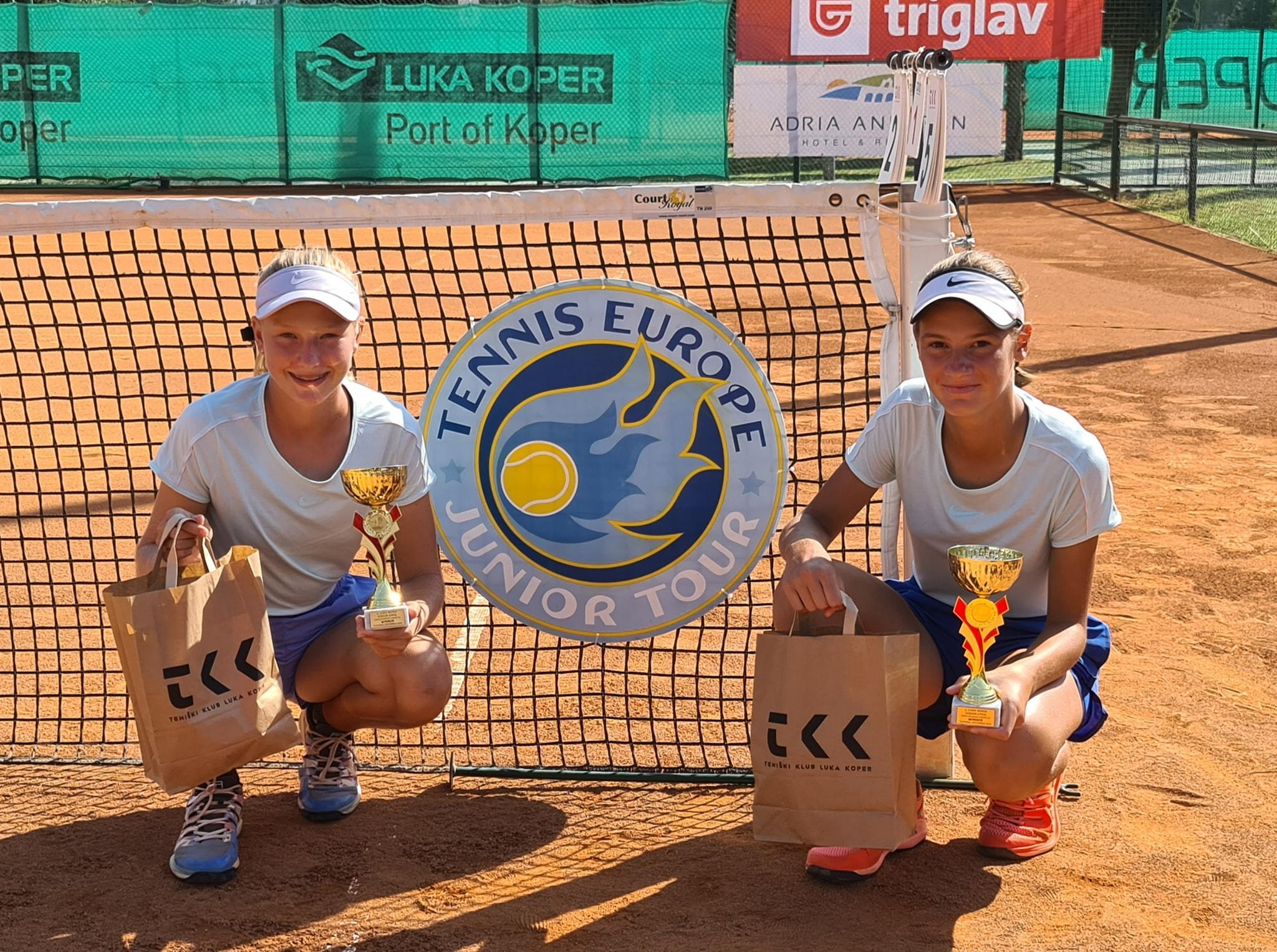 119171675 3208656405869125 1088249845588699521 o - Tennis Europe: Izjemna Hojnikova do naslova v Kopru, v dvojicah najboljši Julija Bogatin in Nika Završki (FOTO)