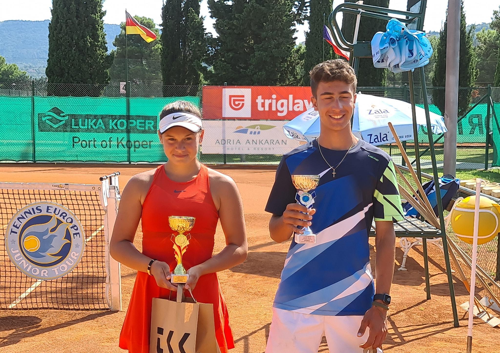 ela2 - Tennis Europe: Izjemna Hojnikova do naslova v Kopru, v dvojicah najboljši Julija Bogatin in Nika Završki (FOTO)