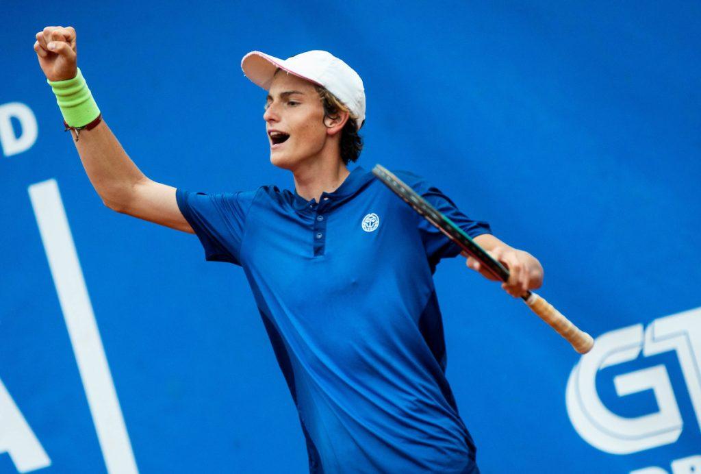 Artnak Bor stisnjena pest1 1024x692 - ITF: Izjemni Artnak bo v soboto na Poljskem lovil dva finala, v polfinalu že tudi Lipovšek