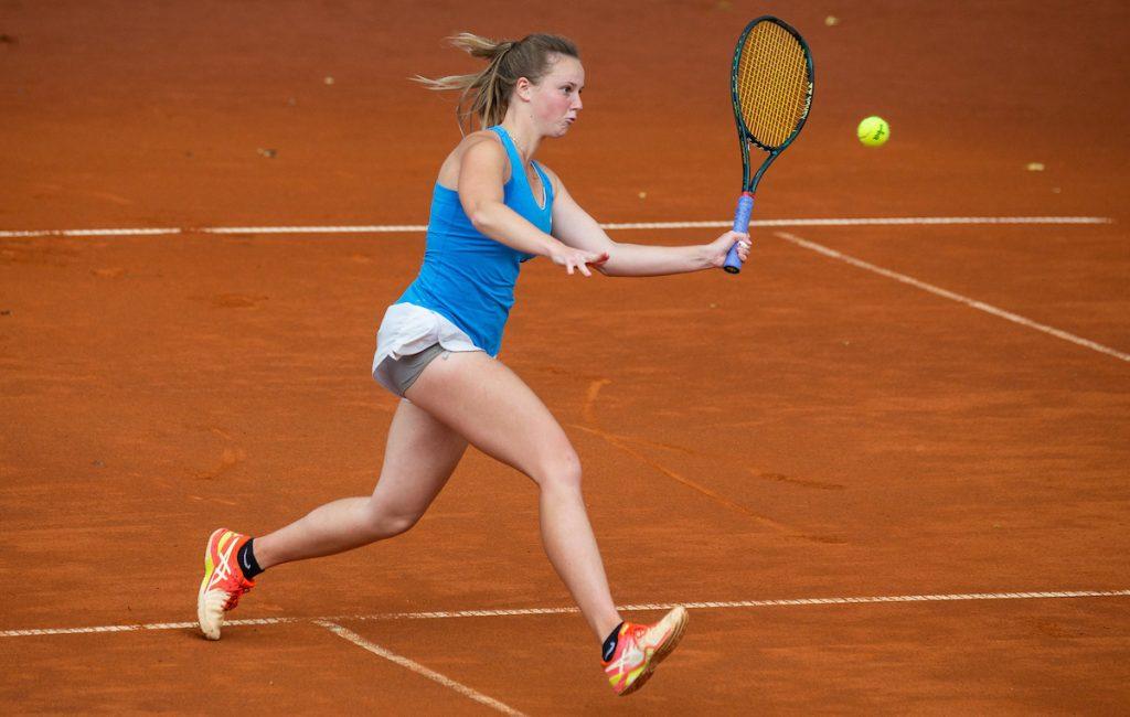 Cvetkovic Tina pesek volley 1024x650 - ITF: Cvetkovičeva z Američanko v Franciji le še zmago oddaljena od naslova