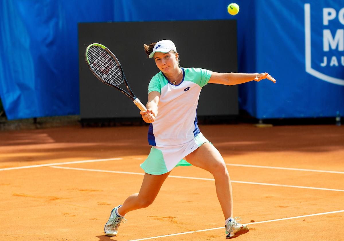 Falkner Ziva pesek volley1 - ITF: Falknerjeva v Antaliji v dveh nizih za las prekratka za finale