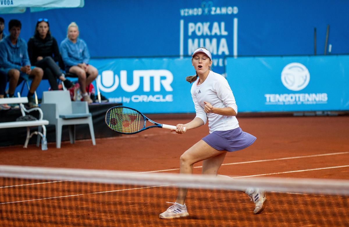 Juvan Kaja pesek fh - Slovenke obdržale mesta na lestvici WTA
