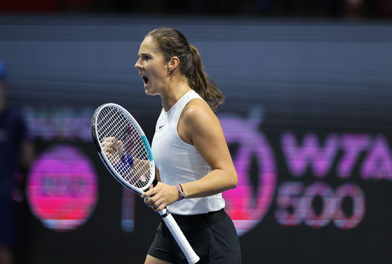 Kasatkina SF celebrate - WTA Sankt Peterburg: Kastakina po predaji tekmice zmagovalka