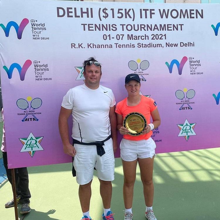 Pia L - ITF: Lovričeva sanjski teden v New Delhiju kronala še s prvencem v posamični konkurenci (FOTO)