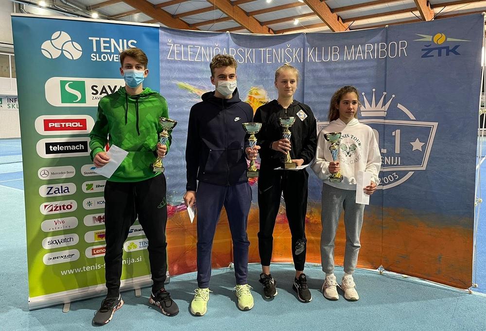 podelitev1 - DP U16: Zimsko državno prvenstvo osvojila Matic Križnik in Anamari Žnuderl! (FOTO)