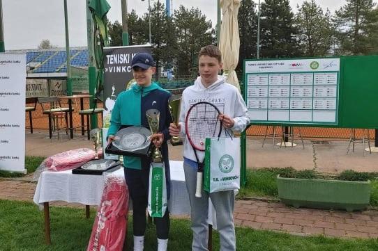 MH - Tennis Europe: Odlični Matic Hribar Vinkovce zapušča z naslovom in finalom