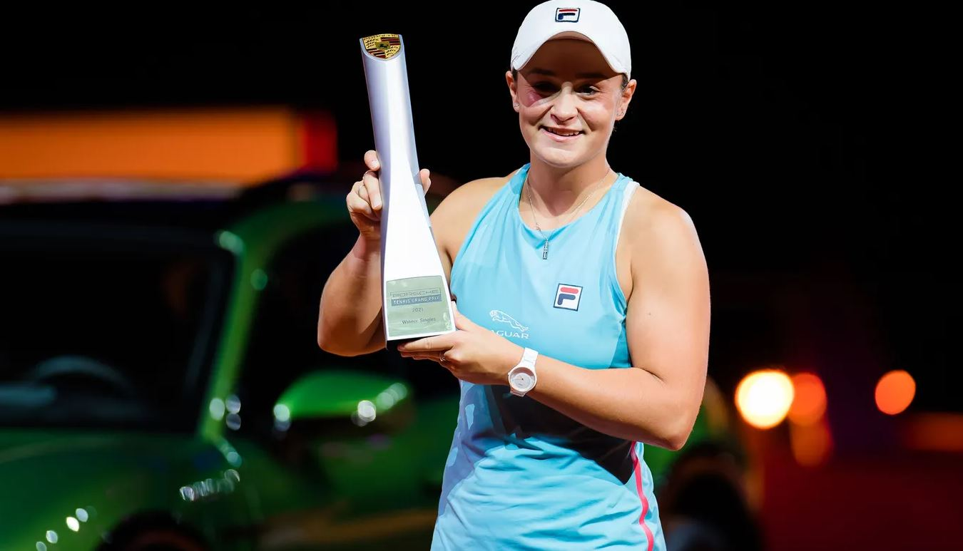 ash - WTA Stuttgart: Bartyjeva do drugega naslova na pesku