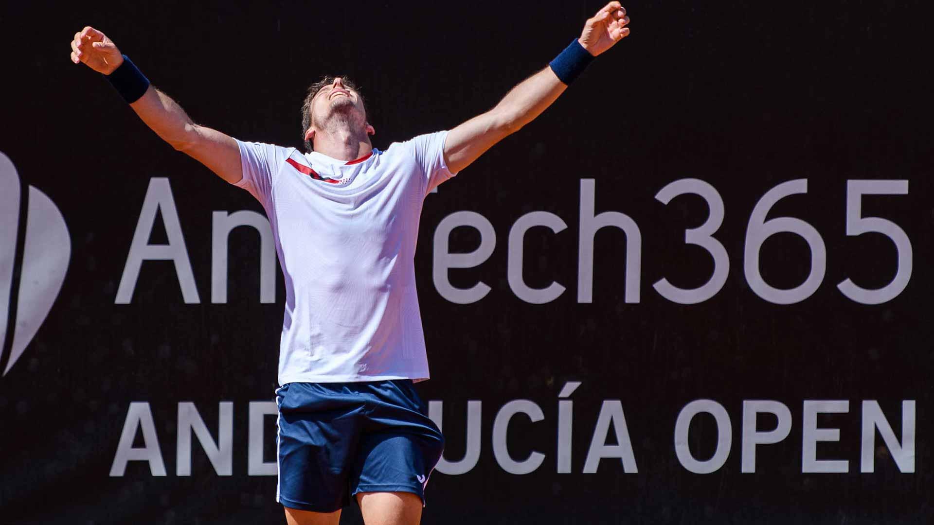 carreno busta marbella 2021 final holder - Pablo Carreno Busta dobil turnir v Marbelli pred polnimi tribunami