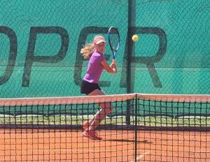 Peternel 300x232 - TE Koper: Odlična Nika Mlakar v četrtfinalu, Suljić tesno poražen (FOTO)