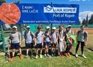 TKKoper 300x218 - Liga U12: ŽTK Maribor branjenje naslova pričel na najboljši možen način, blesti tudi TD Slovan / TK Benč Sport (FOTO)