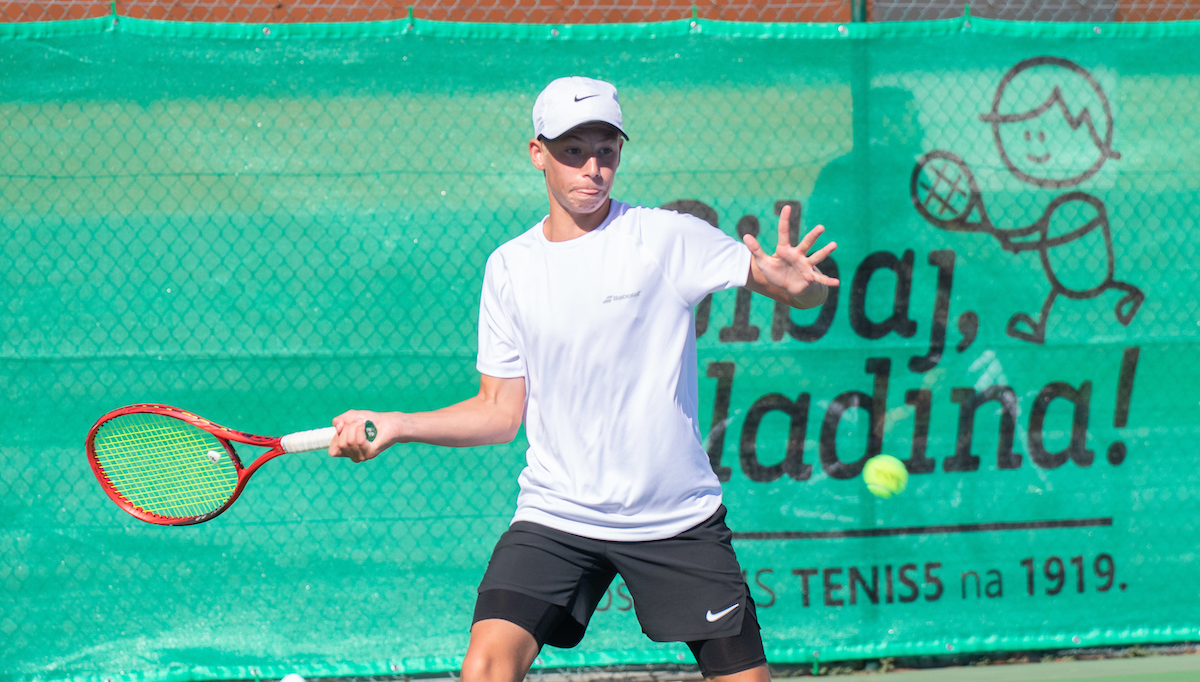 TenisFest 059 200818 NM 1 - U16: V Kočevju presenečenje Vučenovićeve in Ribnikarjeve, v Tržiču lepa zmaga za Sisana Grošlja