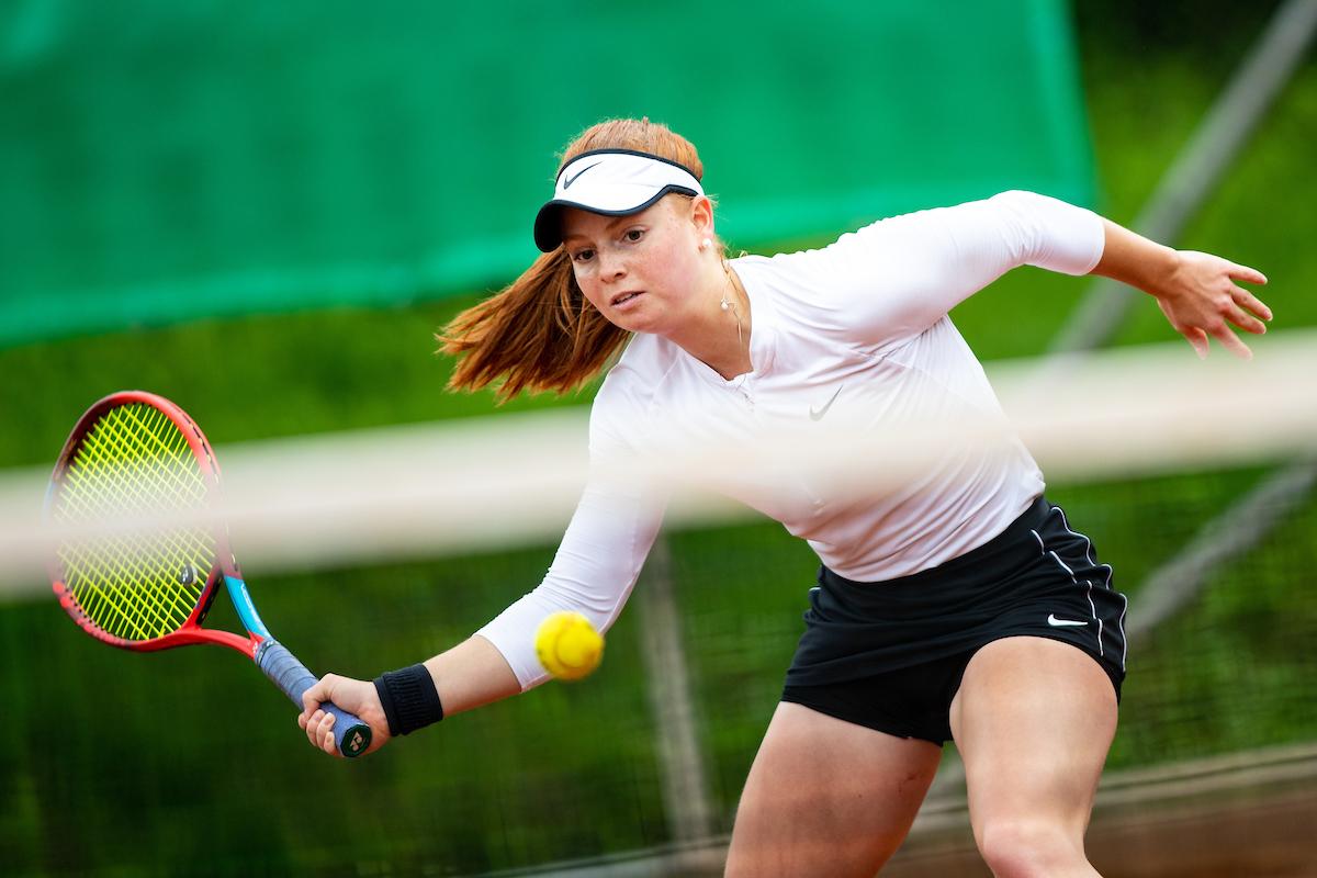 Tennis Radomlje 0034 210515 MKV - ITF: V Mariboru osem slovenskih predstavnikov v lov za četrtfinale, Novakova in Erjavčeva uspešno čez kvalifikacije