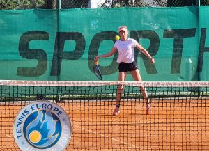 Zoja 300x217 - TE Koper: Odlična Nika Mlakar v četrtfinalu, Suljić tesno poražen (FOTO)