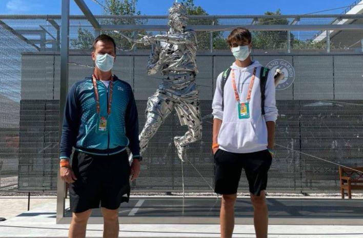 DOminko1 - Dominko ob svojem debiju na Rolandu Garrosu tesno poražen v dvojicah