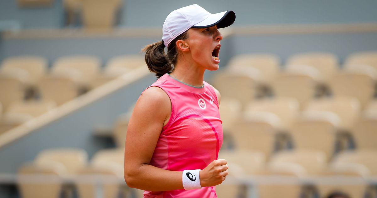 Iga Swiatek   2021 Roland Garros Day 7  DSC 7852 original - Iga Swiatek zadnja četrtfinalistka v Parizu