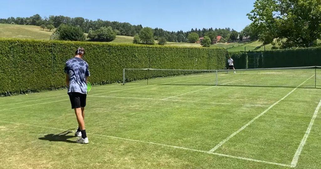 Seba trava 1024x539 - Slovenija v Wimbledonu s svojim predstavnikom tudi v mladinski konkurenci