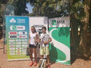 WhatsApp Image 2021 06 11 at 11.47.58 300x225 - DP U12: Izjemni Suljić tudi v finalu nedotakljiv, do naslova prvakinje še Peternelova (FOTO)