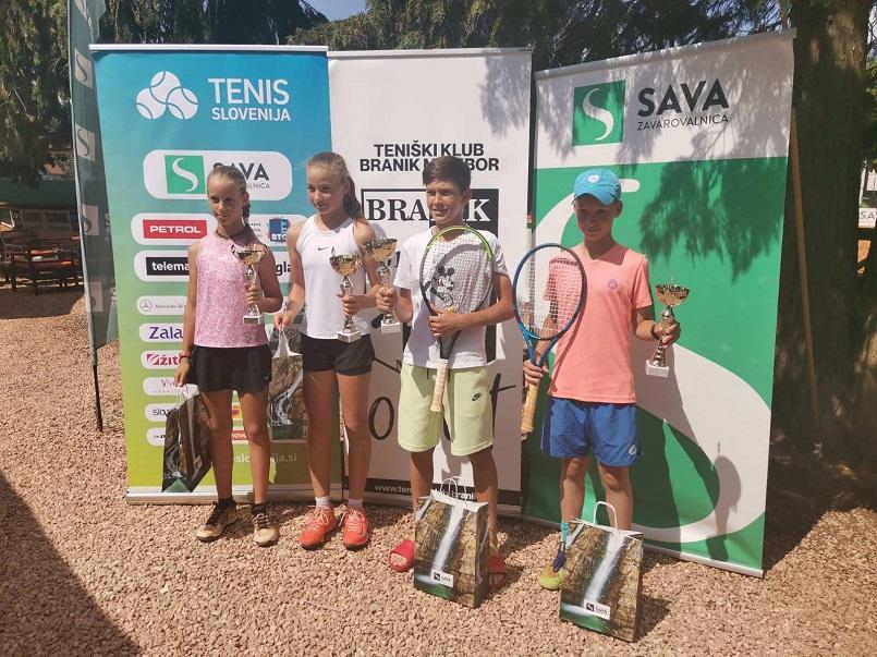 WhatsApp Image 2021 06 11 at 11.47.59 - DP U12: Izjemni Suljić tudi v finalu nedotakljiv, do naslova prvakinje še Peternelova (FOTO)