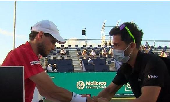 thiem poskodovan - Thiem tik pred Wimbledonom poškodovan predal obračun na Majorki