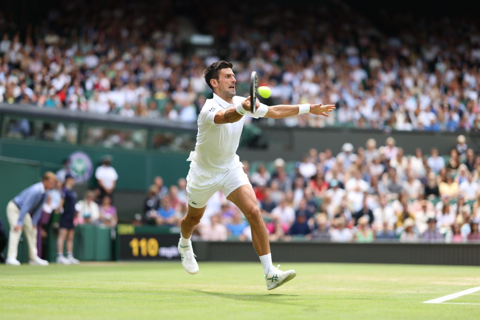 foto Wimbledon Facebook 1 1 - Đoković 50. v četrtfinalu na Grand Slamih, Bartyjeva prvič v Wimbledonu