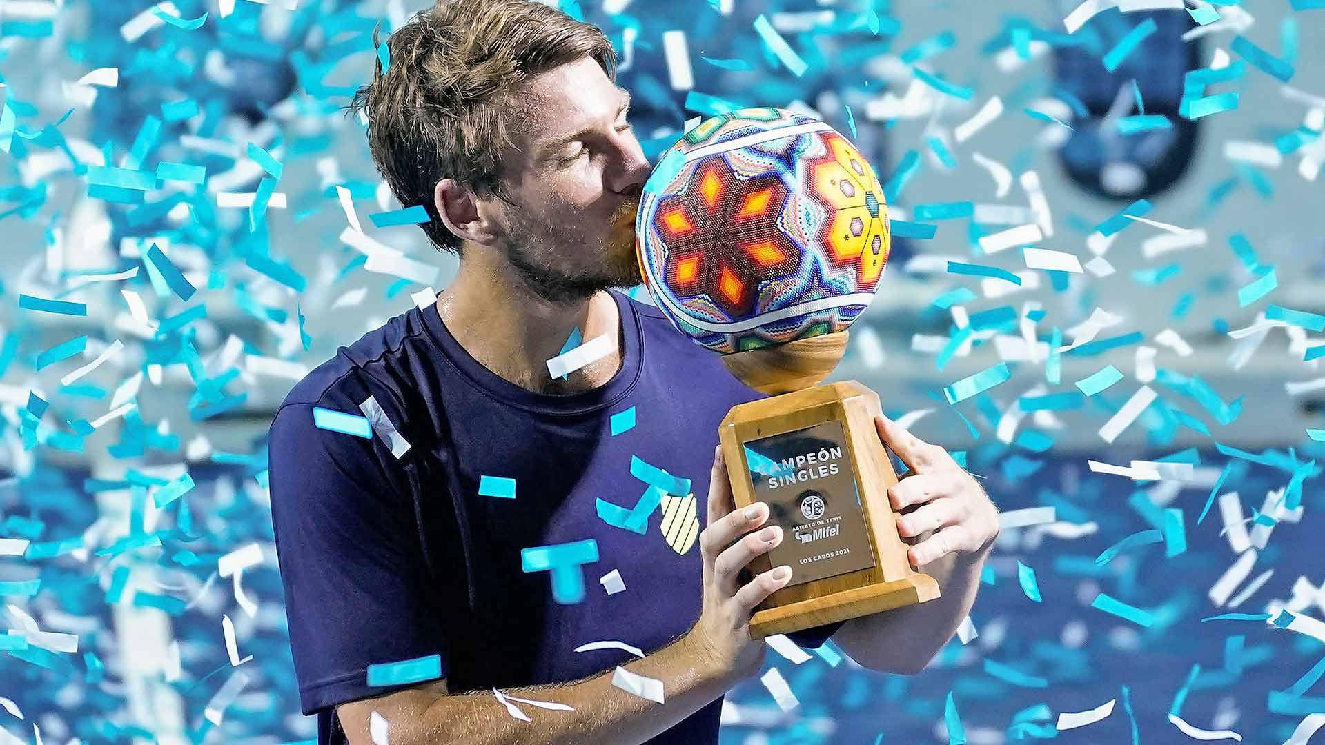 norrie los cabos 2021 trophy - Los Cabos: Zaslužil si je! Prvi ATP naslov v karieri za Norrieja!