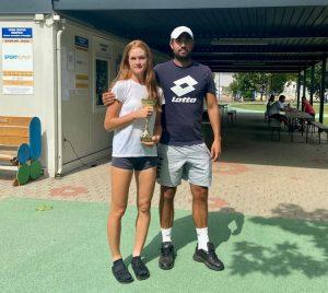 pracek 300x268 - Ela Nala Milić zmagovalka sestrskega finala članskega turnirja v Kopru, pri članih najboljši Tomac (FOTO)