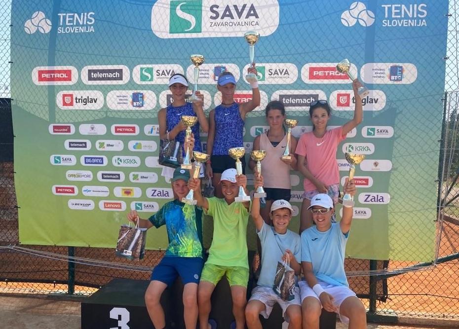 skupna vesela - Tenis Fest (U12): V Portorožu zavladala Nika Mlakar in Alexander Burmakin (FOTO)