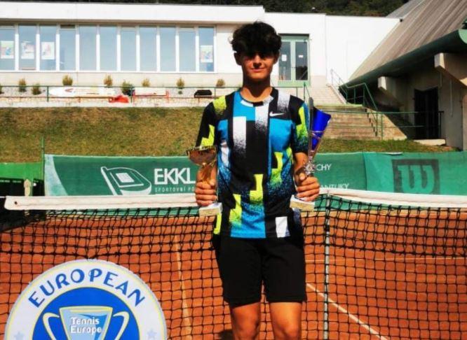 Angeli - TE: Kar 7 Slovencev nastopilo v tekmi za naslov, do turnirske zmage po Cikajlovi še Angeli in Šeško