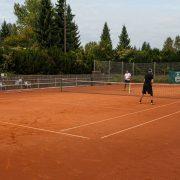 Rock Tenis Domzale oktober 2021 Foto Ales Znidarsic 17 180x180 - Rokerji združeni na glasbeno obarvanem teniškem turnirju 'Rock Tenis'
