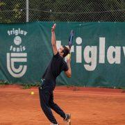 Rock Tenis Domzale oktober 2021 Foto Ales Znidarsic 8 180x180 - Rokerji združeni na glasbeno obarvanem teniškem turnirju 'Rock Tenis'