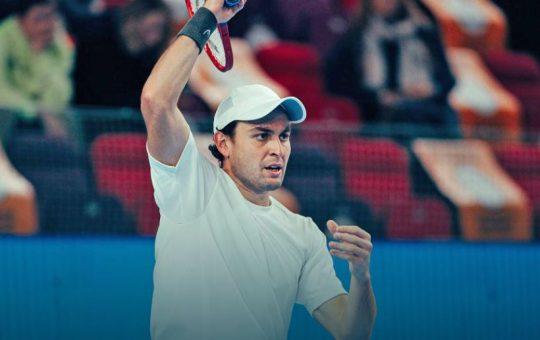 aslan 540x340 - ATP Moskva: Karatsev izločil domačina Gerasimova, nocoj igra proti Gillesu Simonu