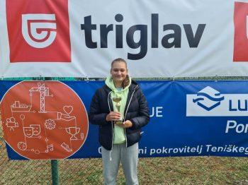 lara1 350x262 - U18: Protič Žakelj na Mastersu v Kopru najboljše prihranil za konec, do naslova še Hana Bečirovič Novak (FOTO)