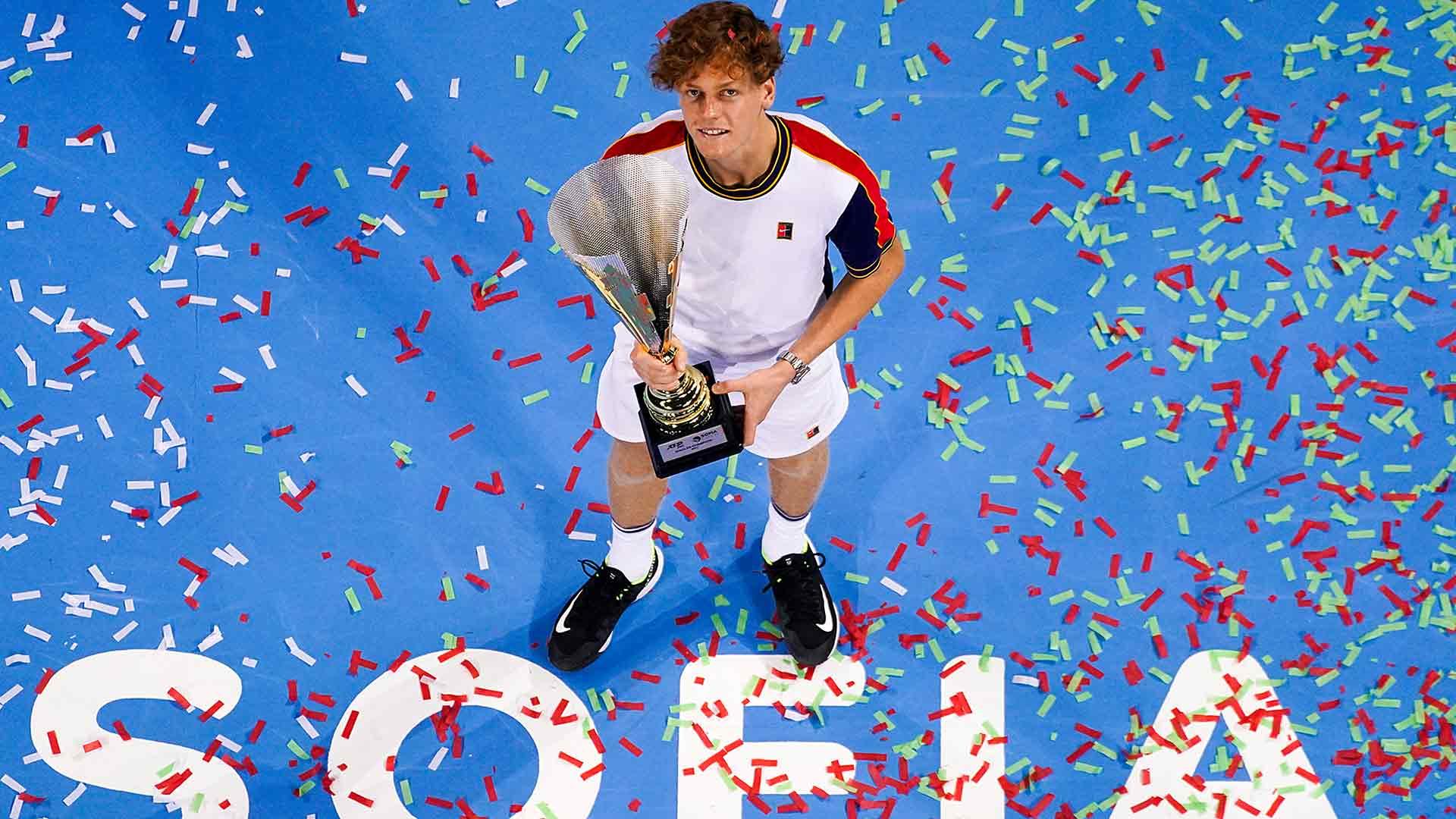 sinner sofia final 2021 sunday trophy - ATP Sofia: Sinner ugnal Monfilsa za četrto lovoriko